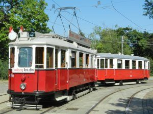 M-Tramcar (with a trailer)