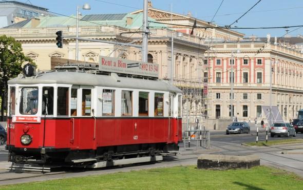 ldtimer 4023 aus dem Jahr 1927 als 1. Wiener Walzer Bim am Karlsplatz in Wien